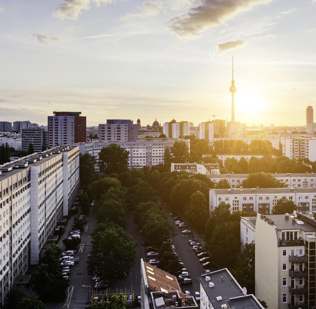 Il settore immobiliare è una delle classi di attività che alla fine è stata redditizia.  Non è necessario possedere una proprietà per trarne vantaggio