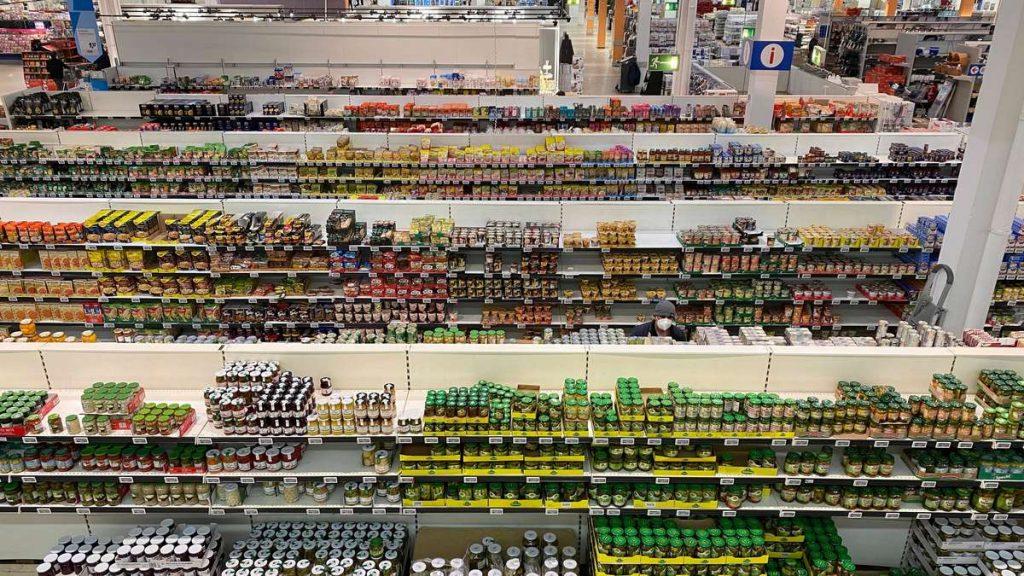 Freni di emergenza: Aldi, Lidl, Rewe, Edeka - Cosa cambierà nei supermercati a maggio?