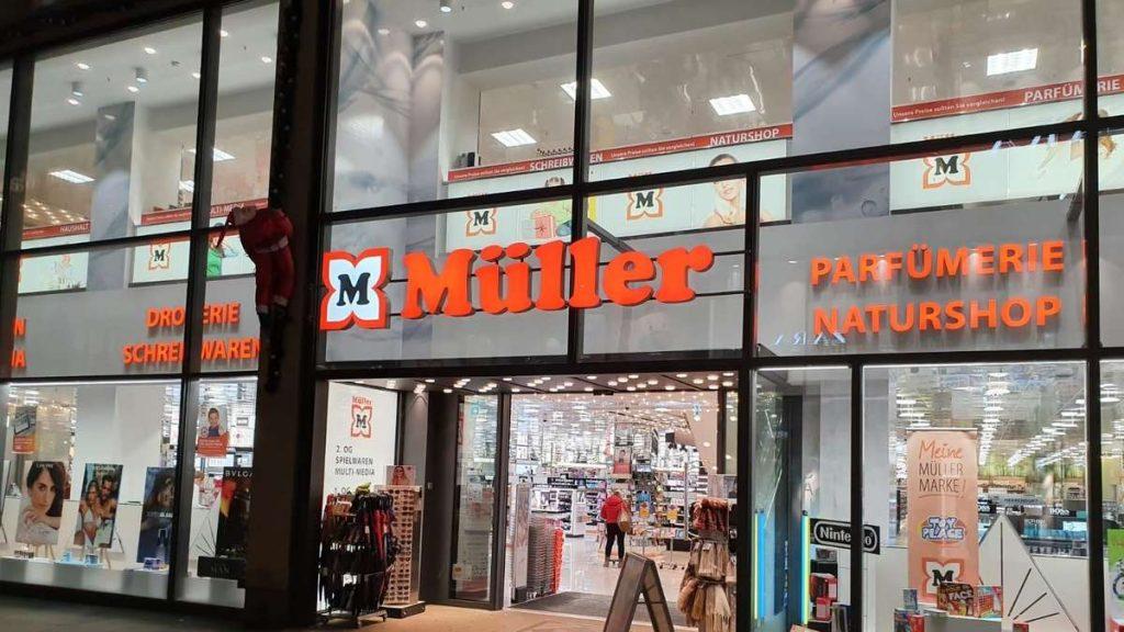 Drogerie Müller: Many Fatalities - Richiamo urgente per il produttore della serie