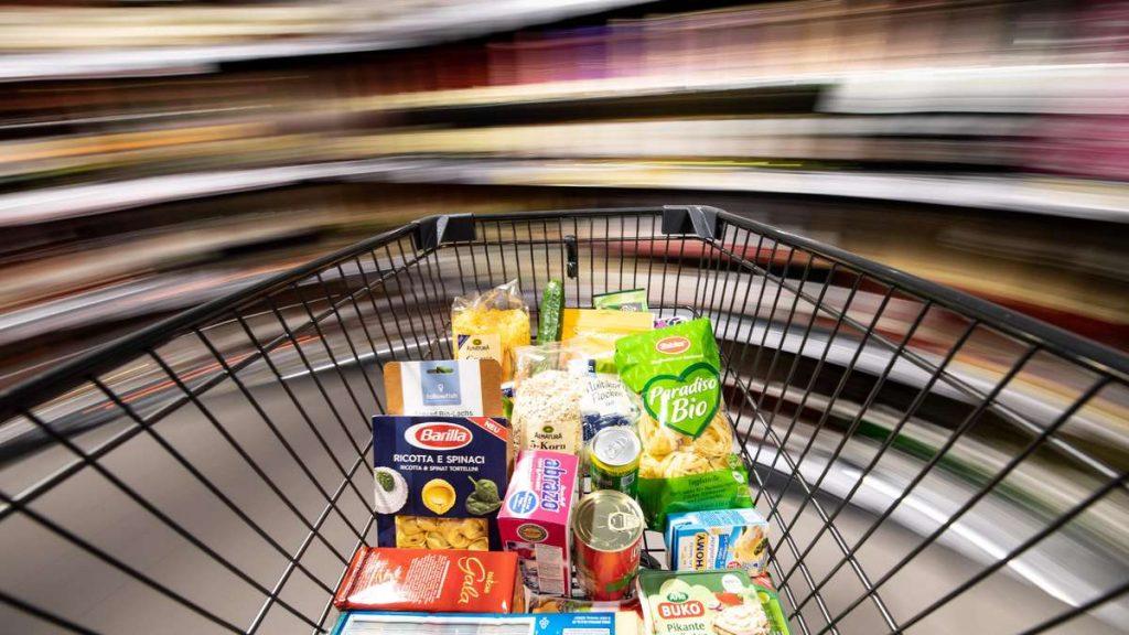 Corona governa al supermercato: Aldi, Rewe, Edeka e Lidl - che cambierà a luglio