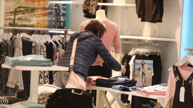 Nonostante il salvataggio: una catena di moda in difficoltà vuole chiudere 40 filiali in tutta la Germania