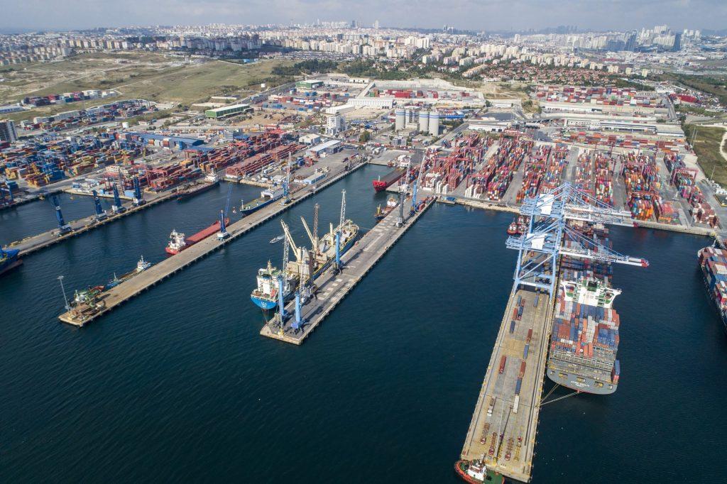 Hafen von Ambarli befindet sich am Nordufer des Marmarameeres. Der Ambarli Hafenkomplex ist 34 Kilometer von Istanbul entfernt.
