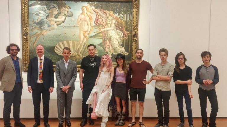 La famiglia Musk in tournée in Europa: i martedì agli Uffizi, il famoso Museo di Firenze (Foto: sab/dpa)