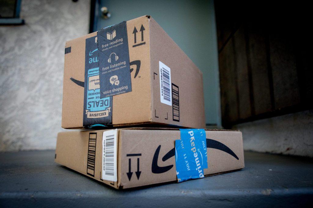 Pagato ma non ordinato: truffa sospetta con pacchi Amazon