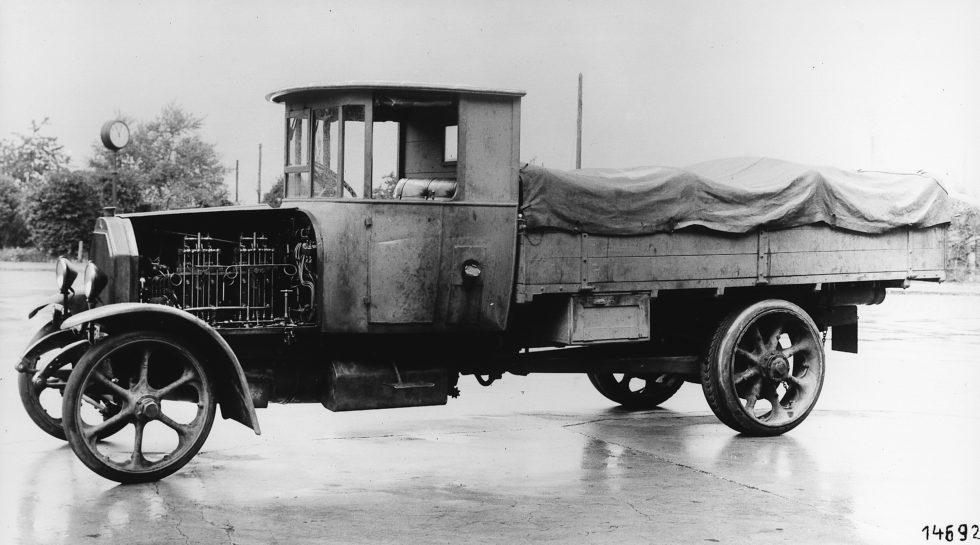 Camion a idrogeno: Daimler trae conclusioni sorprendenti