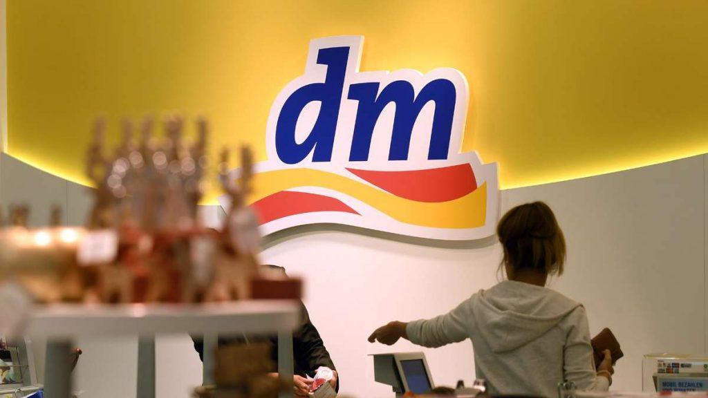 Attenzione ai clienti del comune di Dubai: la farmacia apporta modifiche al registratore di cassa con effetto immediato
