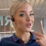 Supermercato: la sexy cassiera Aldi fa scalpore con i video