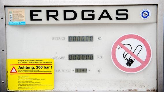 Visualizza una stazione di rifornimento di gas naturale.  © dpa Foto: Finn Winkle
